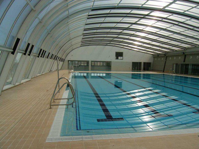 Sale a concurso la gesti n de la piscina cubierta for Piscina municipal cubierta